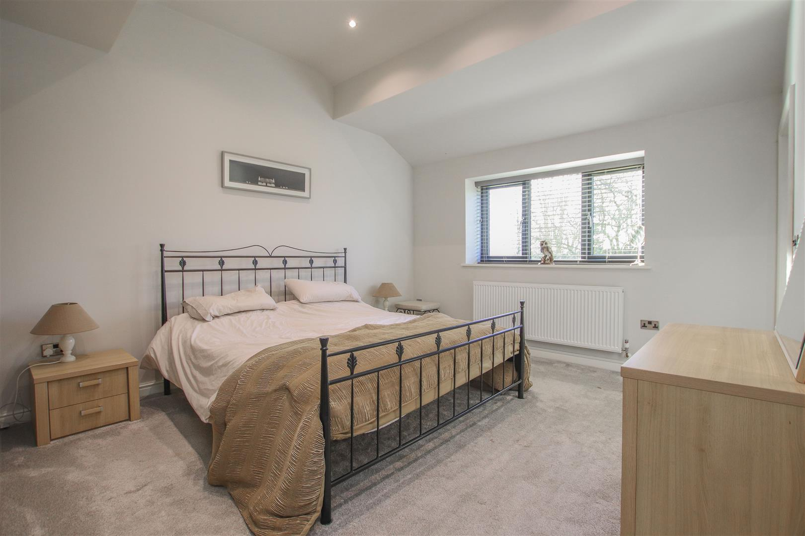 6 Bedroom Barn Conversion For Sale - 24.JPG